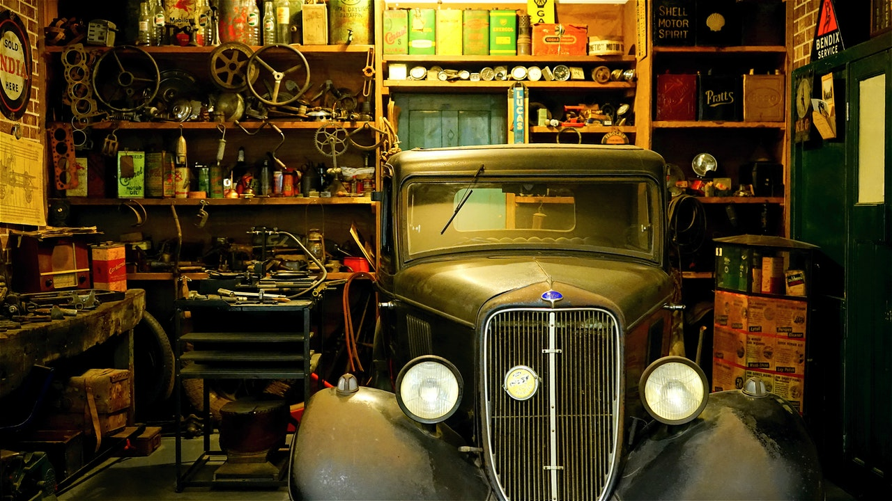 We arrange a functional space in the garage
